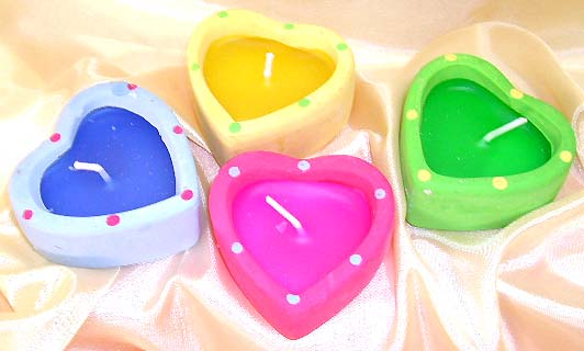 Dotted pattern assorted color fashion heart love candle set. Your wedding day is full of love and sweet with this unique piece with scent!